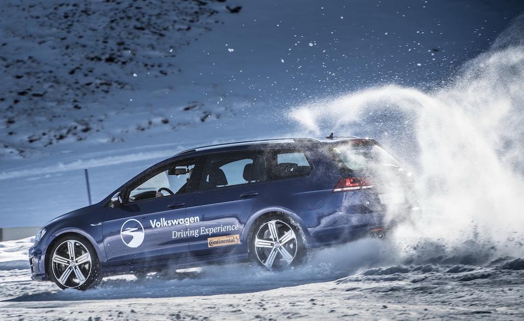 Si no sabes regalar, VW te lo pone fácil con los cursos de conducción 4Motion